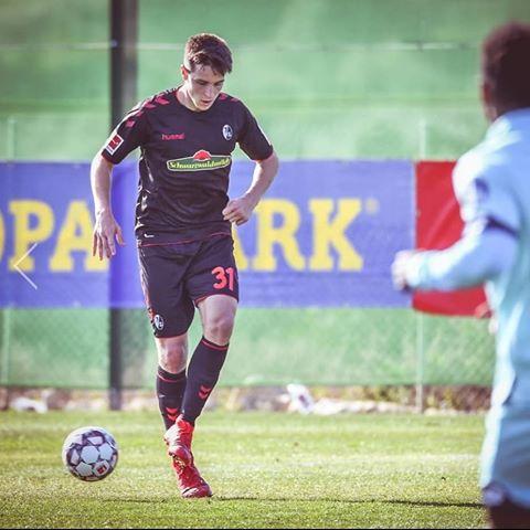 Ex-TSG Spieler Keven Schlotterbeck im Trainingslager des SC Freiburg dabei